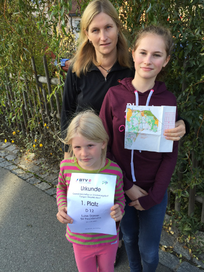 Die Gaumeister im Orientierungslauf 2015 Luise, Ute und Jule Döhler